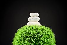 Free Three Stones And Grass Ball Royalty Free Stock Photography - 14582557