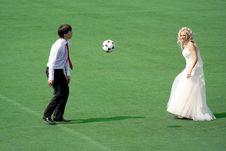 Free Couple Plaing Football Stock Photos - 14583083