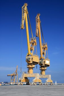 Free Cranes Royalty Free Stock Photography - 14587127