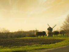 Free Early Morning Windmill Royalty Free Stock Photos - 14594468