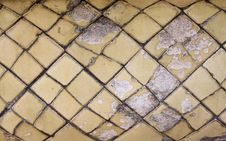 Free Old Ceramic Tile On A Bathroom Royalty Free Stock Image - 14595556
