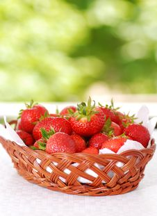 Free Fresh Strawberry Royalty Free Stock Photography - 14596387