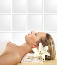 An Attractive Woman Is Getting Spa Treatment Royalty Free Stock Image