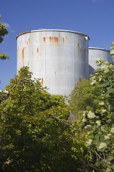 Free Industrial Tanks Royalty Free Stock Images - 1460959
