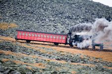 Free Tourist Train On Mt Washington In A Fall Cloudy Day Royalty Free Stock Photography - 1461377