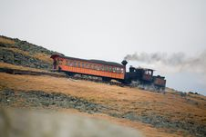 Free Tourist Train On Mt Washington In A Fall Cloudy Day Royalty Free Stock Images - 1461389