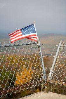 Free American Flag On Mountain Top And Foliage Royalty Free Stock Photography - 1462617