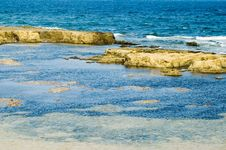 Free Rocks In The Sea At Seashore Royalty Free Stock Image - 1463396