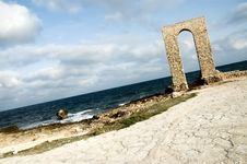 Free Ancient Arch - Ruins Over Seashore - Dynamic View Stock Image - 1463471