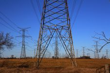 Free Electricity Pylons Royalty Free Stock Photos - 1464338