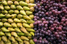 Free Containers With Grapes And Pears Royalty Free Stock Photos - 14603158