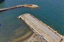 Free Sea Dam Royalty Free Stock Image - 14605636