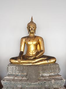 Free Gold Buddha Royalty Free Stock Photos - 14609088