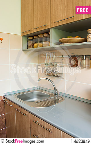 Free Empty Kitchen Table Royalty Free Stock Images - 14623849