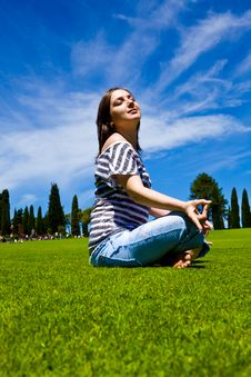 Free Beautiful Girl On Green Field Stock Images - 14623784