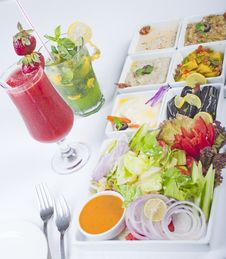 Free Selection Of Fresh Salads In A Restaurant Stock Photography - 14626652