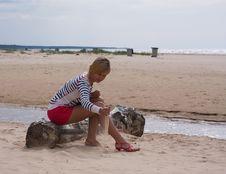 Free Girl Sea Sky Sand Stock Image - 14627111