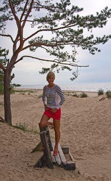 Free Girl Sea Sky Sand Stock Photography - 14627152