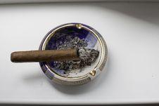 Free Cigar On Vintage Ashtray Stock Image - 14628671