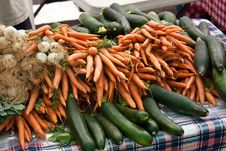 Free Organic Vegetables At The Farmers Market Royalty Free Stock Photos - 14631148