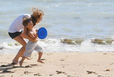 Free Happy Mother And Son On Beach Royalty Free Stock Image - 14631246