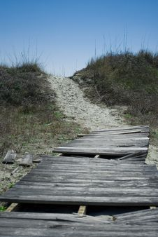 Free Old Broken Boardwalk To The Beach Stock Images - 14632564