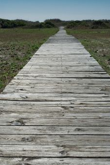 Free Old Broken Boardwalk To The Beach Royalty Free Stock Image - 14632566