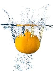 Free Orange In Water Royalty Free Stock Photos - 14634178