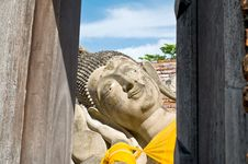 Free Reclining Buddha Image Royalty Free Stock Photography - 14638937