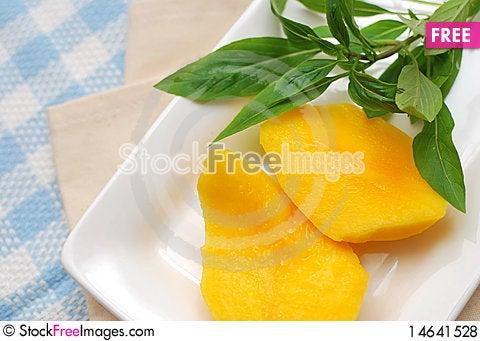 Free Healthy Peach Fruit Royalty Free Stock Photos - 14641528