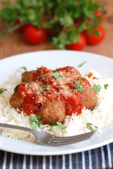 Free Meatballs With Rice Royalty Free Stock Photos - 14643708