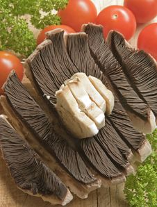 Free Sliced Mushroom With Tomatoes And Parsley. Stock Photos - 14645953