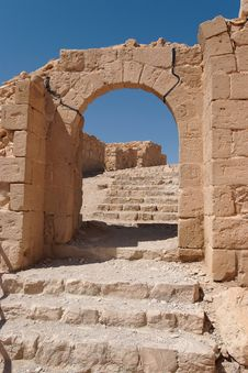 Free Ancient Stone Arch And Staircase Royalty Free Stock Photography - 14646377