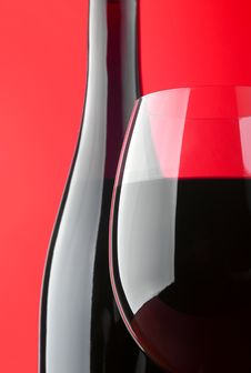 Free Red Wineglass And Bottle Stock Photography - 14646562