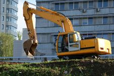 Free Heavy Buildind Tractor In Front Of Building Site Stock Photography - 14649282