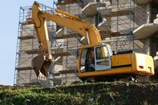 Free Heavy Buildind Tractor In Front Of Building Site Stock Images - 14649314