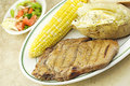 Free Grilled Steak With Vegetables Royalty Free Stock Images - 14651019