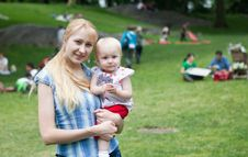 Free Happy Mom  And Baby Stock Photo - 14650890