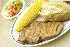 Grilled Steak With Vegetables Royalty Free Stock Images