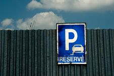 Free Parking Lot Sign Stock Images - 14662714