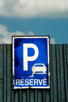 Free Parking Lot Sign Royalty Free Stock Photography - 14662737