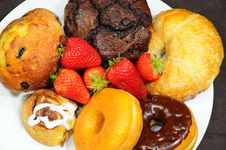 Free Snack Plate Royalty Free Stock Photography - 14663627