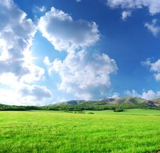 Free Green Meadow In Mountain Royalty Free Stock Photo - 14666635