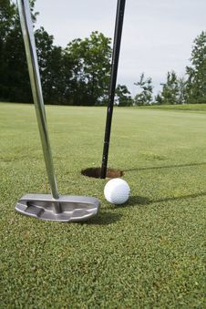 Free Easy Putt Royalty Free Stock Photo - 14667425