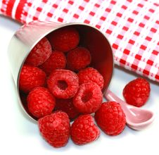 Free Raspberries Royalty Free Stock Photography - 14670277