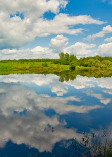 Free Cloud Reflection In The River Stock Photo - 14670510