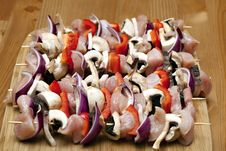Free Chicken And Vegetable Kabobs. Royalty Free Stock Photo - 14671065