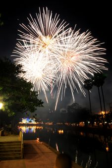 Free Firework Of The Thai Father S Day Stock Images - 14672654