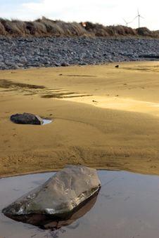 Free Beale Beach And Coastal Turbines Royalty Free Stock Image - 14674606