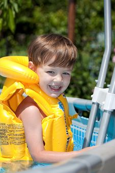 Free Happy Boy In The Pool Stock Photos - 14676893
